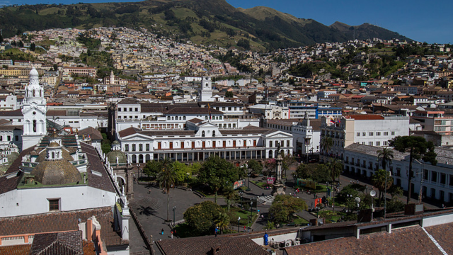 Finance and Accounting Strategy to Redefine Economics in Ecuador 's city photo