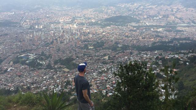 Digital Marketing Experteer for Socially-Conscious Hiking Organization's city photo