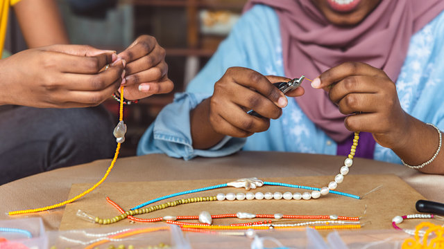 Learn social impact frameworks and use it for: providing refugee youth with economic opportunities